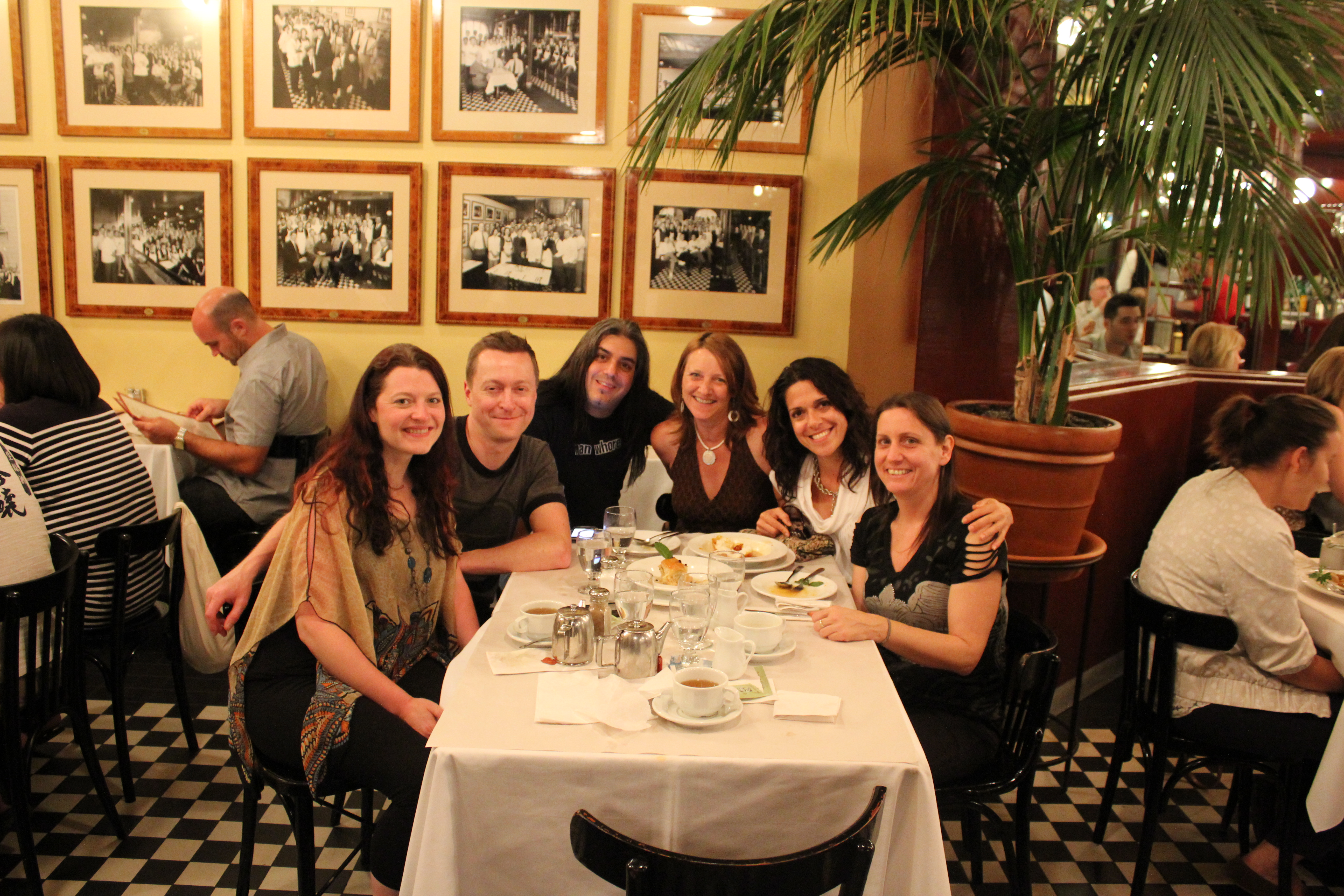 Tr s yummy dining in montreal l express restaurant the for Equipement de restaurant montreal